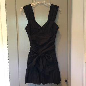 Black fitted dress with tie